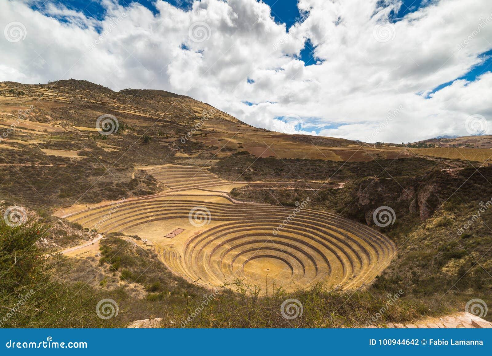 Den arkeologiska platsen på Moray, loppdestination i den Cusco regionen och den sakrala dalen, Peru Majestätiska koncentriska ter