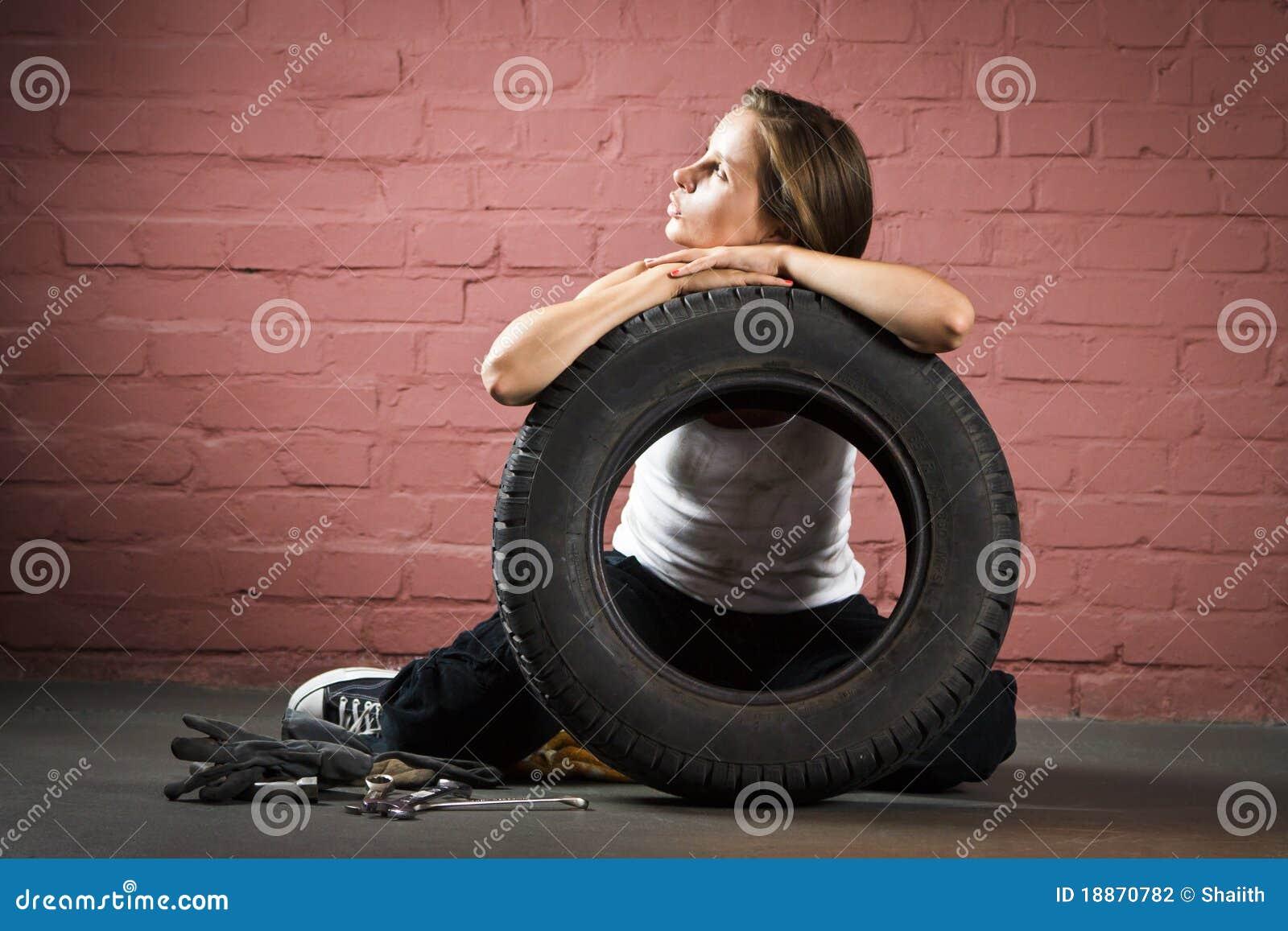 Den auto härliga mekanikerreparationen shoppar