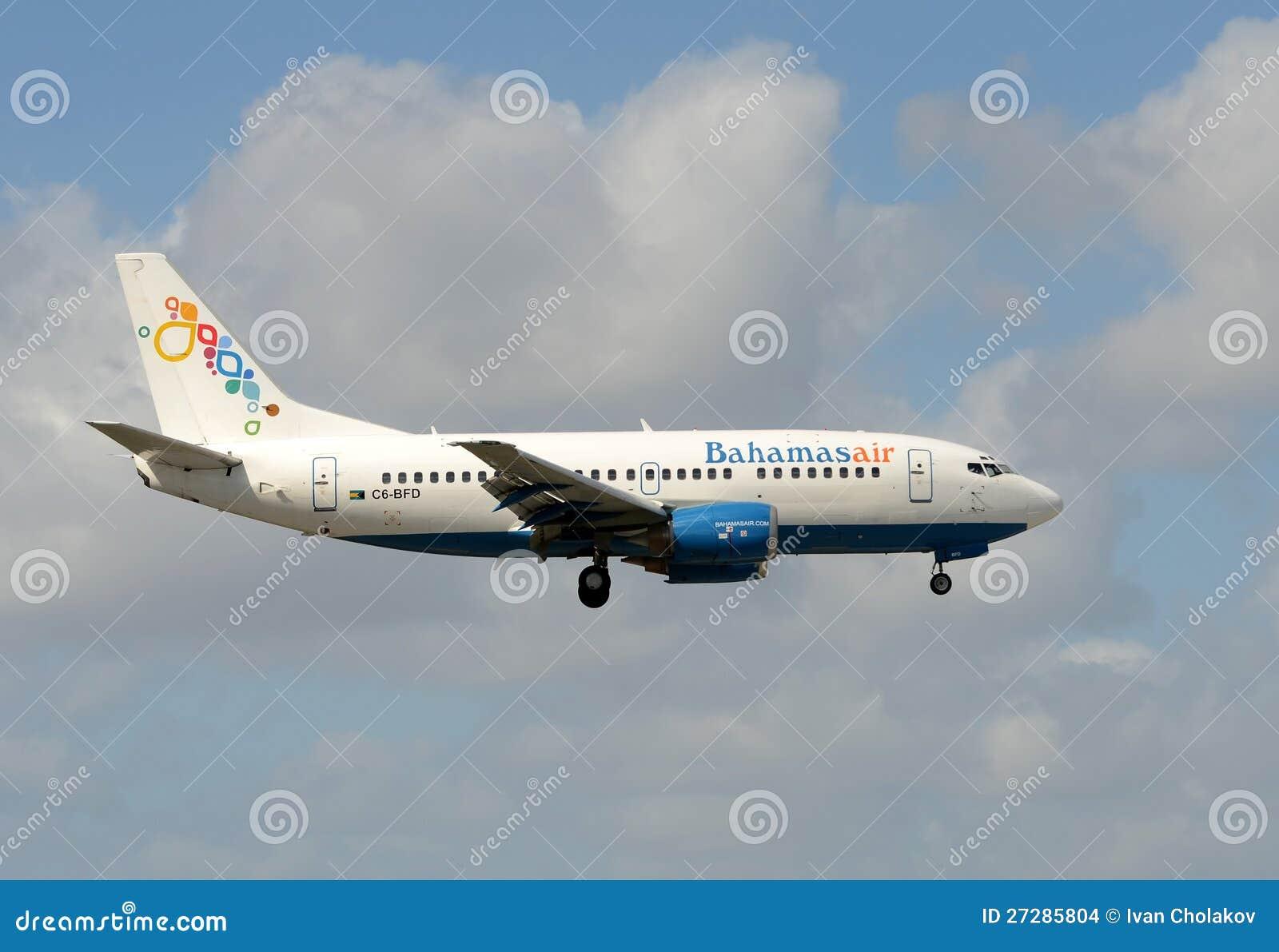 Den Bahamasair passagerarestrålen ankommer i Miami