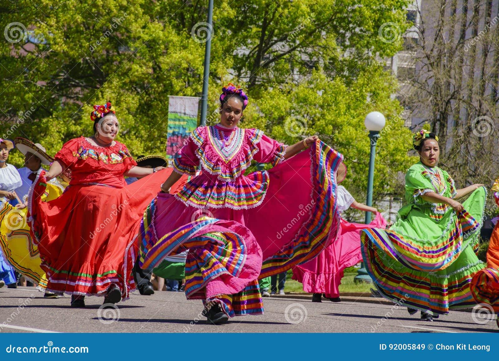 Den berömda Cinco de Mayo Parade