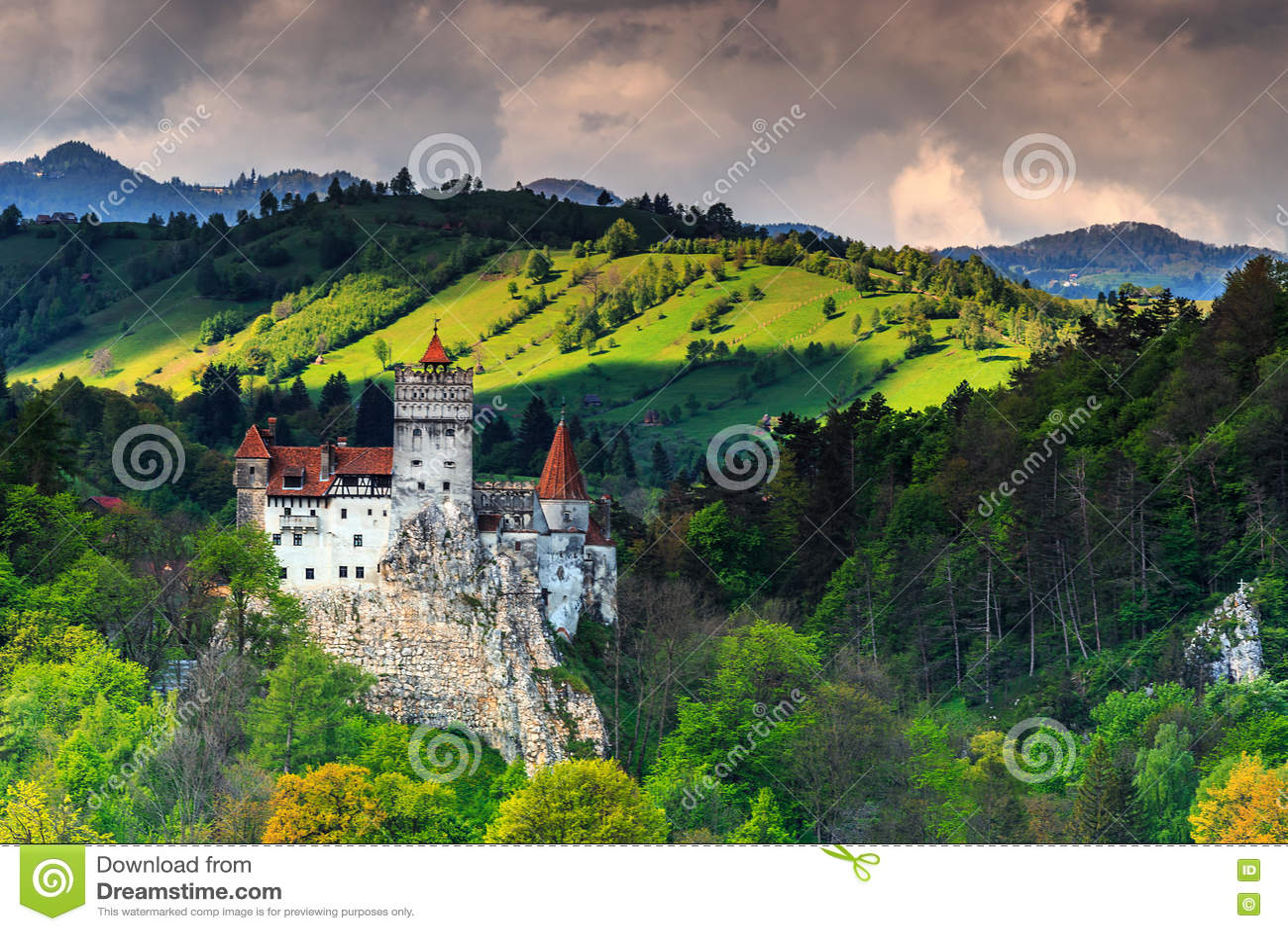 Den berömda Dracula slotten nära Brasov, kli, Transylvania, Rumänien, Europa