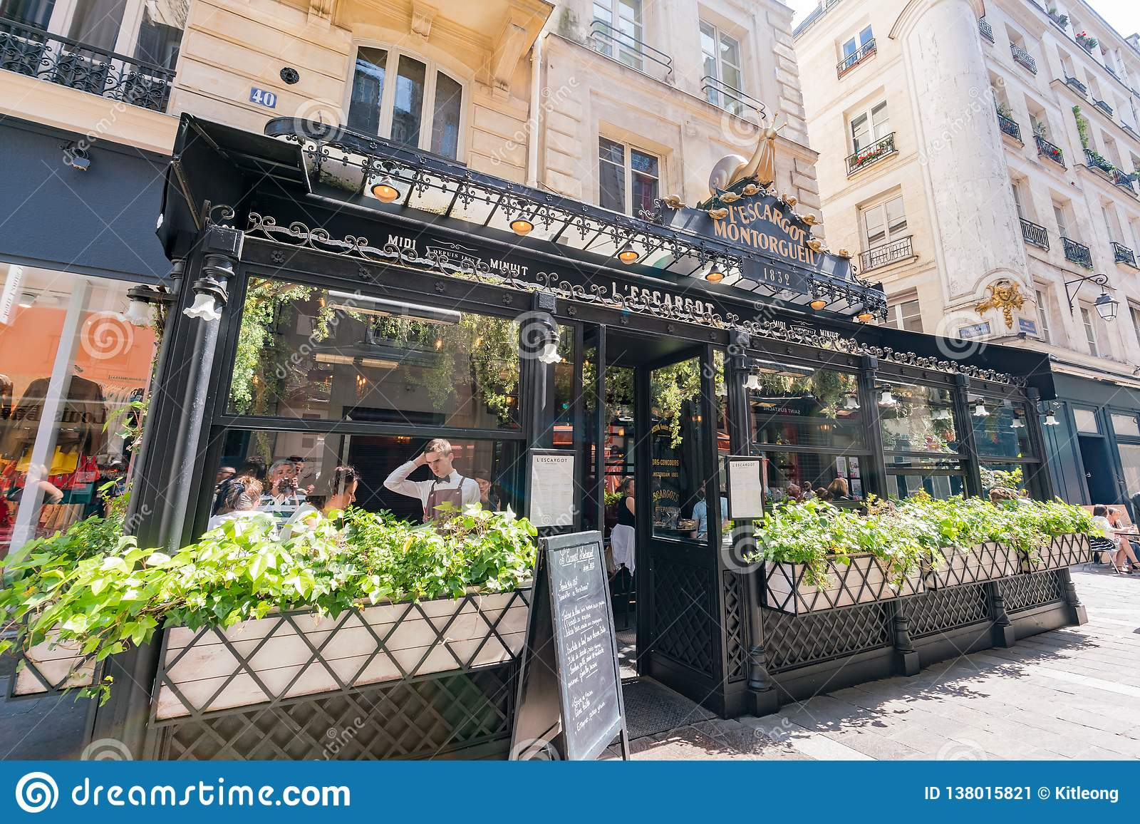 Den berömda L Escargot Montorgueil restaurangen
