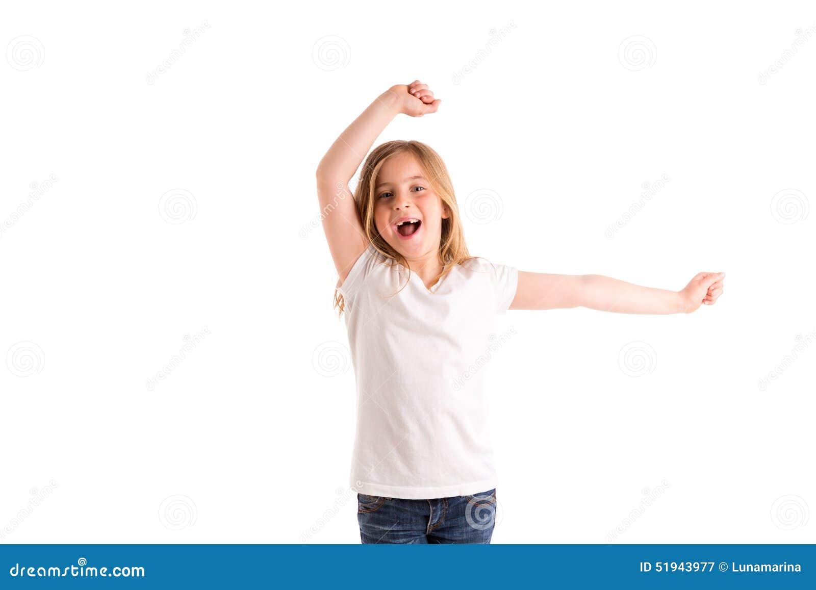 Den blonda ungeflickan inryckade att hoppa hög vind på hår