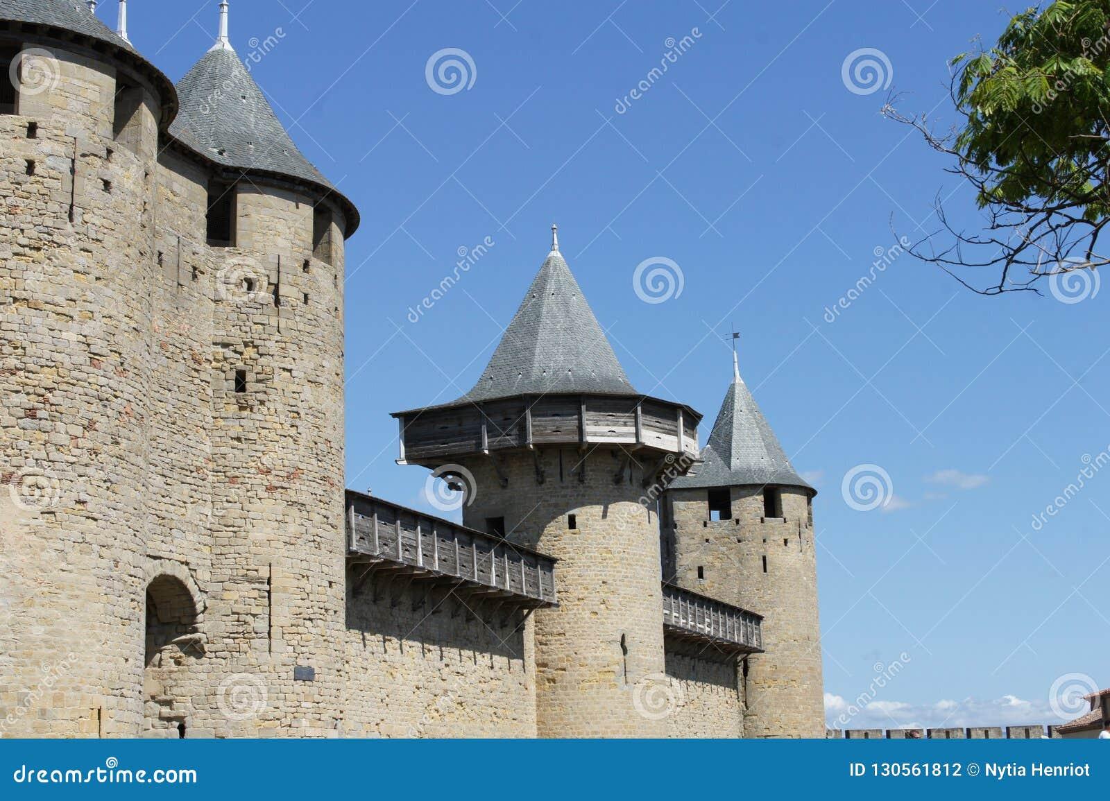 Den Carcassonne slotten och medeltida turnerar