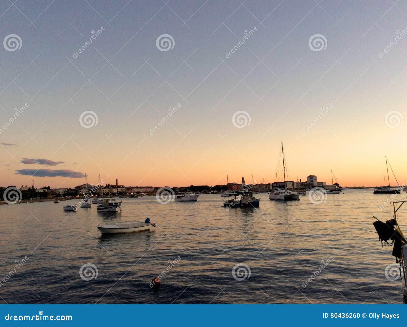 Den fridsamma hamnen