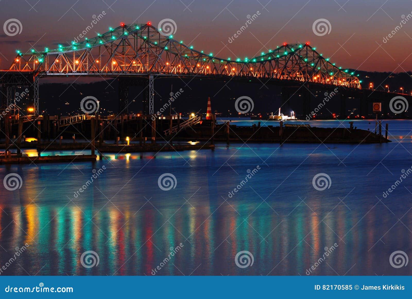 Den gamla Tappan Zee bron spänner över Hudsonen