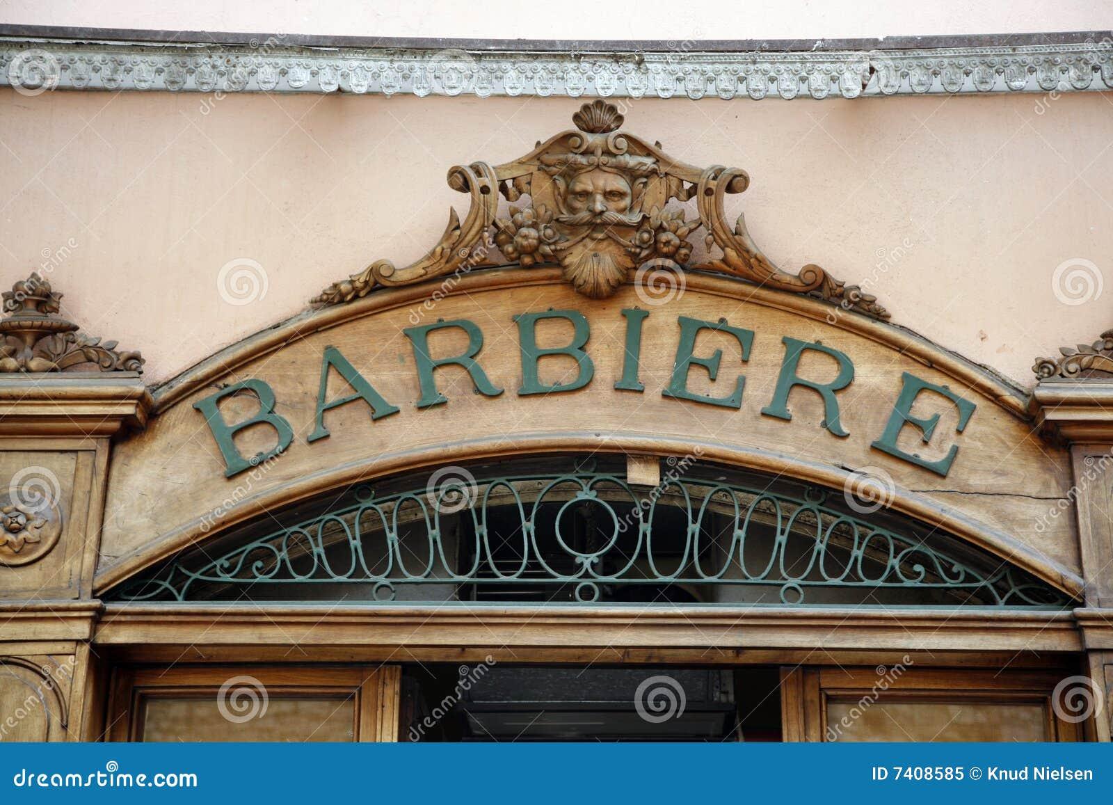 Den gammala barberaren shoppar