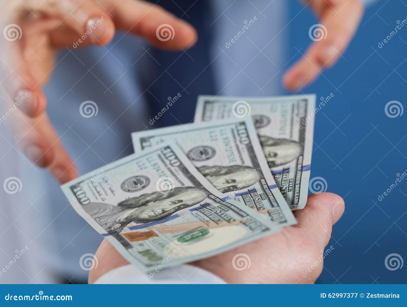 Den giriga affärsmannen önskar att ta pengar