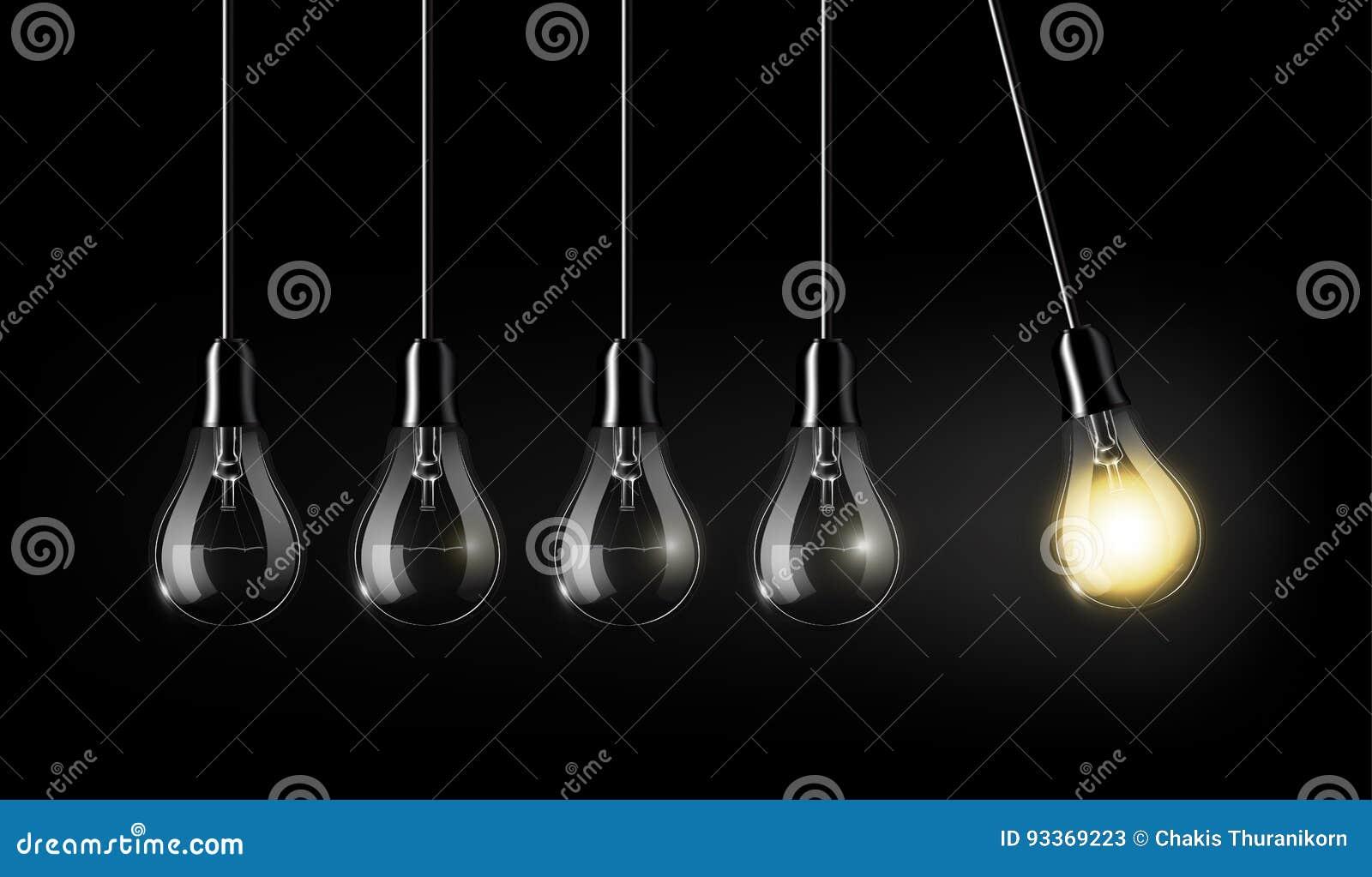 Den glödande ljusa kulan är bland många vända av ljusa kulor på mörker - blå bakgrund, begreppsidén, begrepp för evig rörelse, et