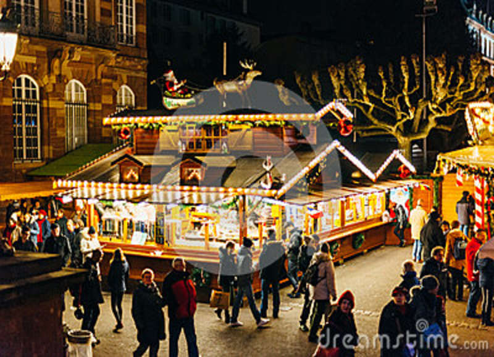 Den Hogstamda Sikten Av Jul Marknadsfor I Strasbourg Frankrike Redaktionell Foto Bild Av Ovanf 84379135