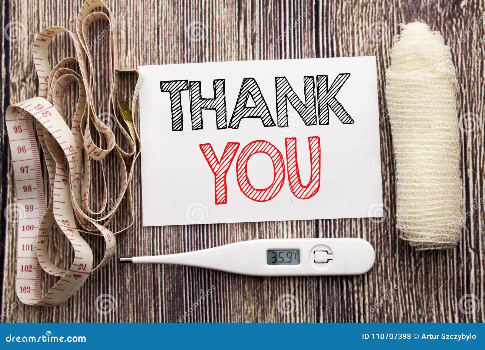 Den handskrivna textvisningen tackar dig Handstil för begreppet för affärskondition tackar vård- för tacksamhet tomt papper b för