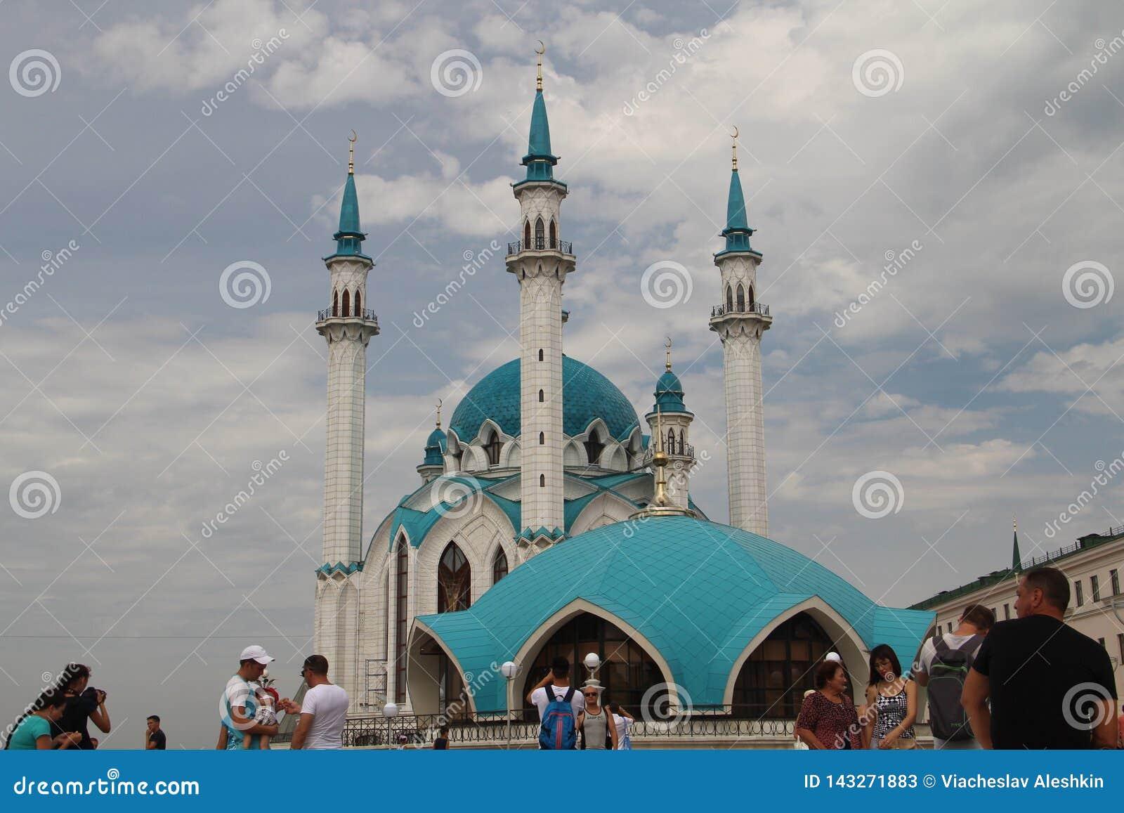 Den huvudsakliga dragningen av den Kazan Kreml är Kulen Sharif Mosque