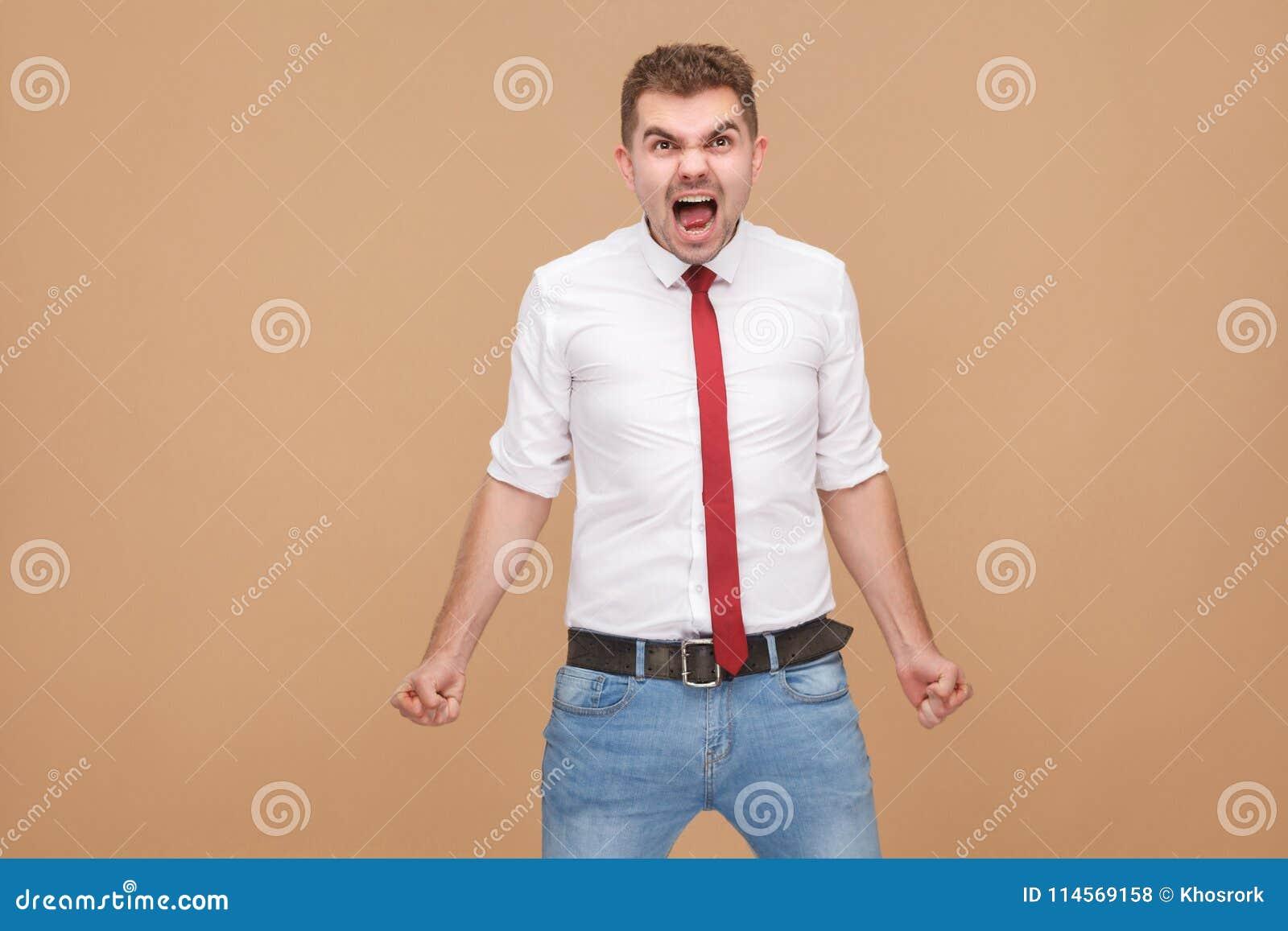Den ilskna affärsmannen vrålar