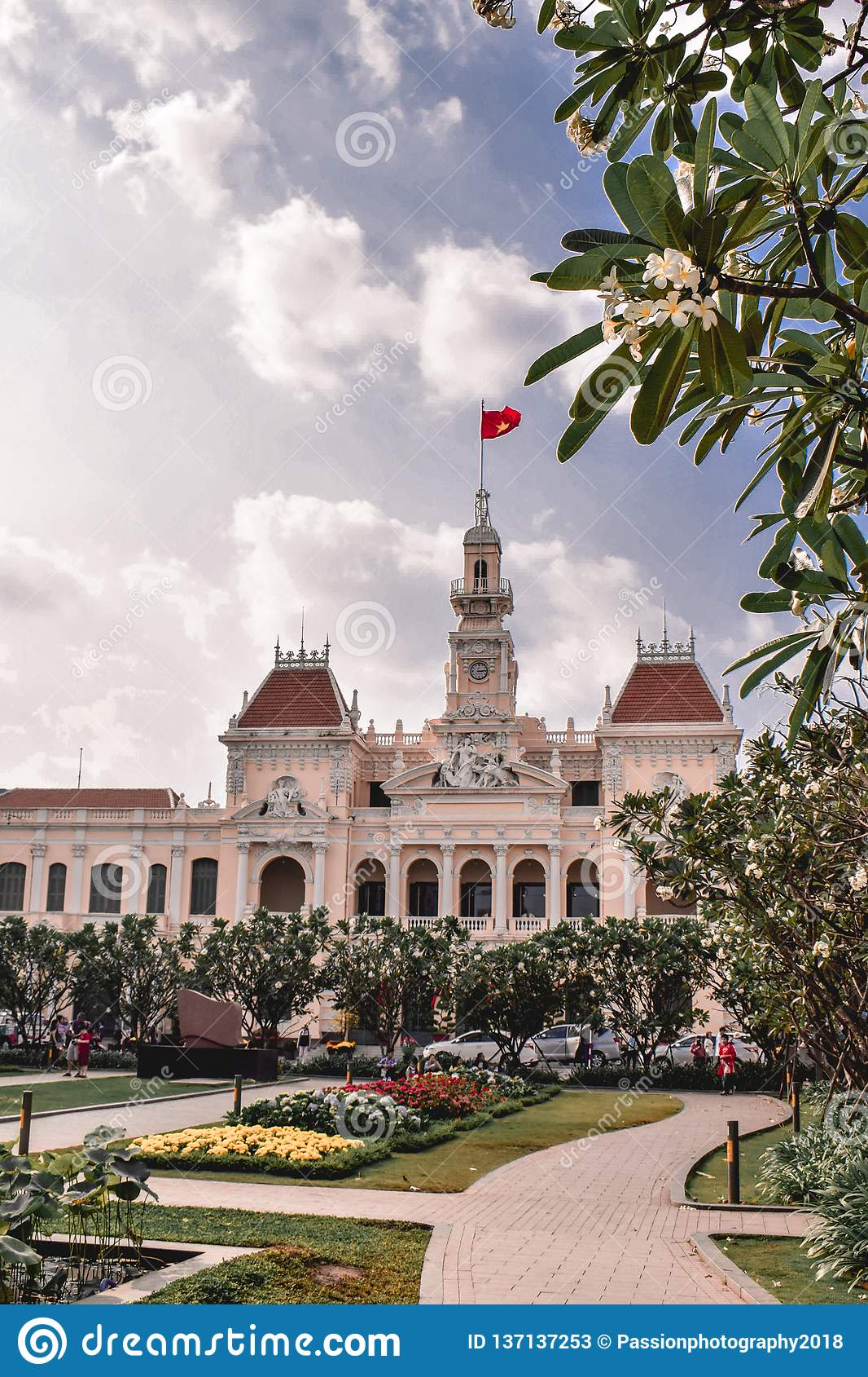 Den koloniala stadshusbyggnaden i Saigon Ho Chi Minh City