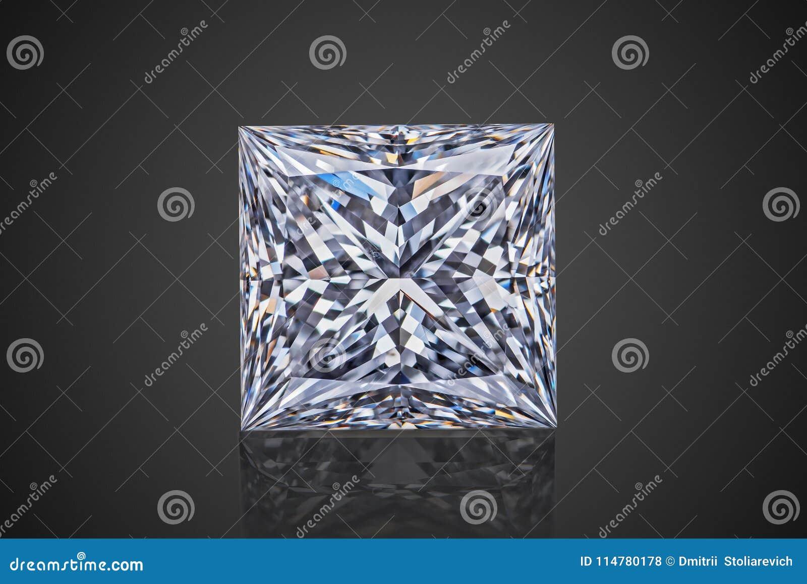 Den lyxiga akromatiska genomskinliga mousserande prinsessan för gemstonefyrkantform klippte diamanten som isolerades på svart bak