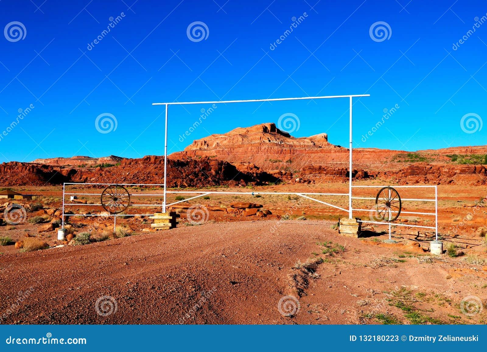 Den naturliga skönheten av rött vaggar kanjoner och sandsten i Arizona USA