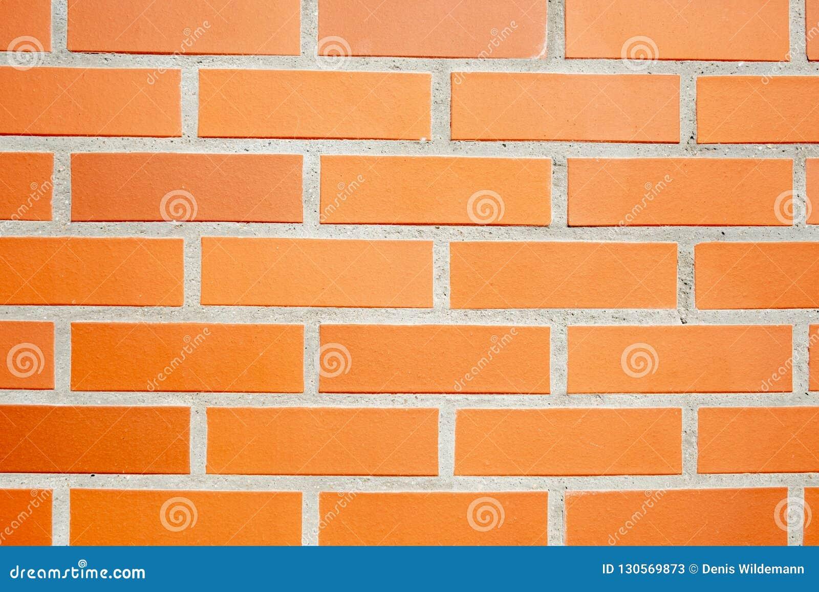 Den orange väggen