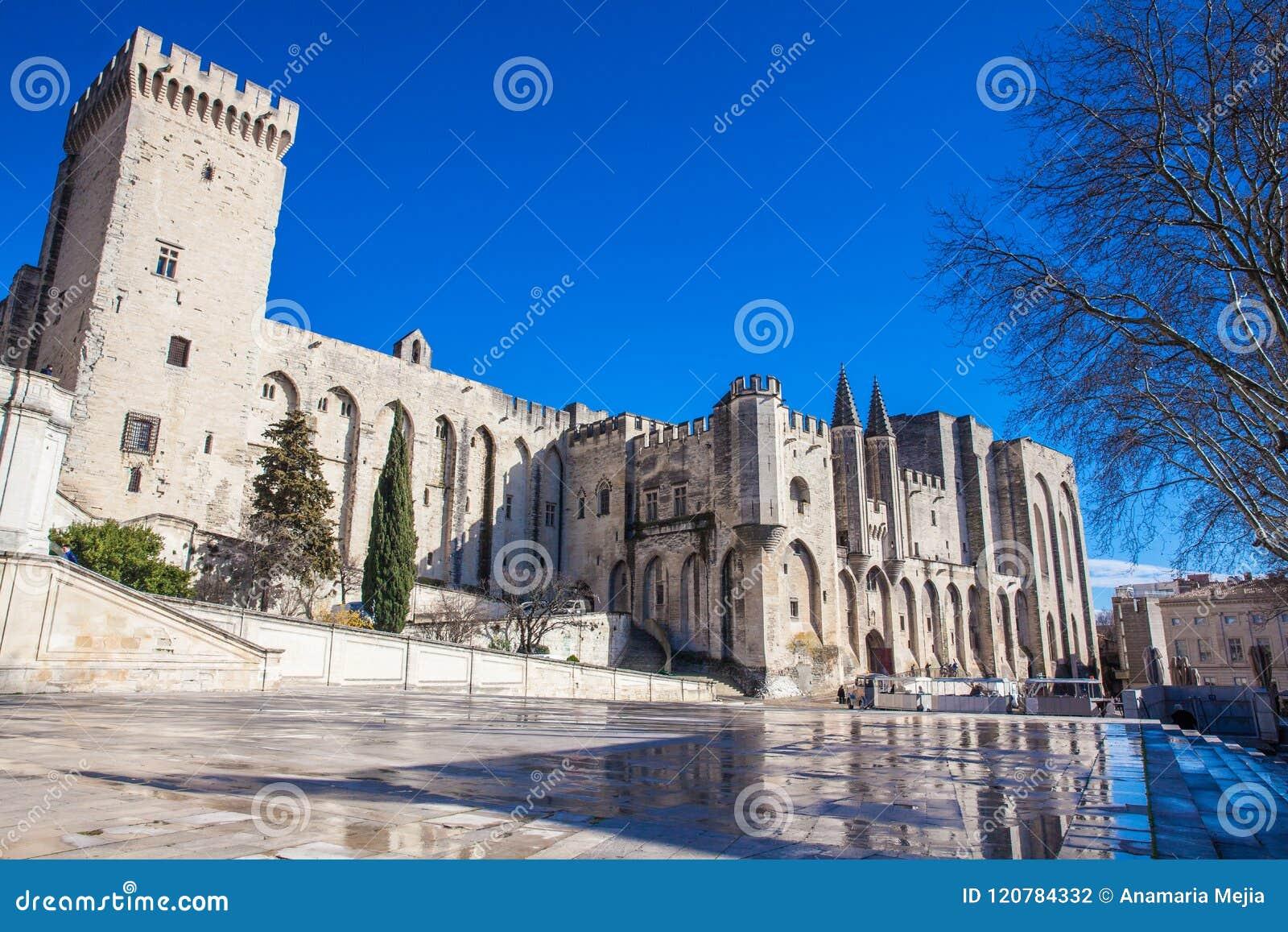 Den påvliga slotten på Avignon Frankrike