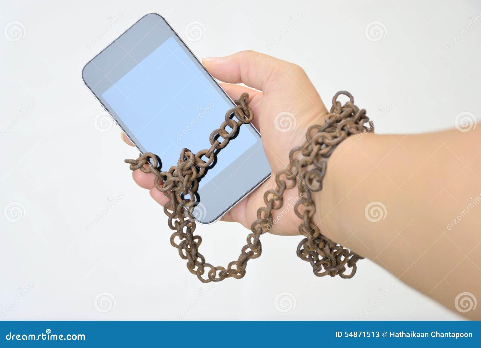 Den rostiga järnkedjan, som binder tillsammans handen, och ilar telefonen