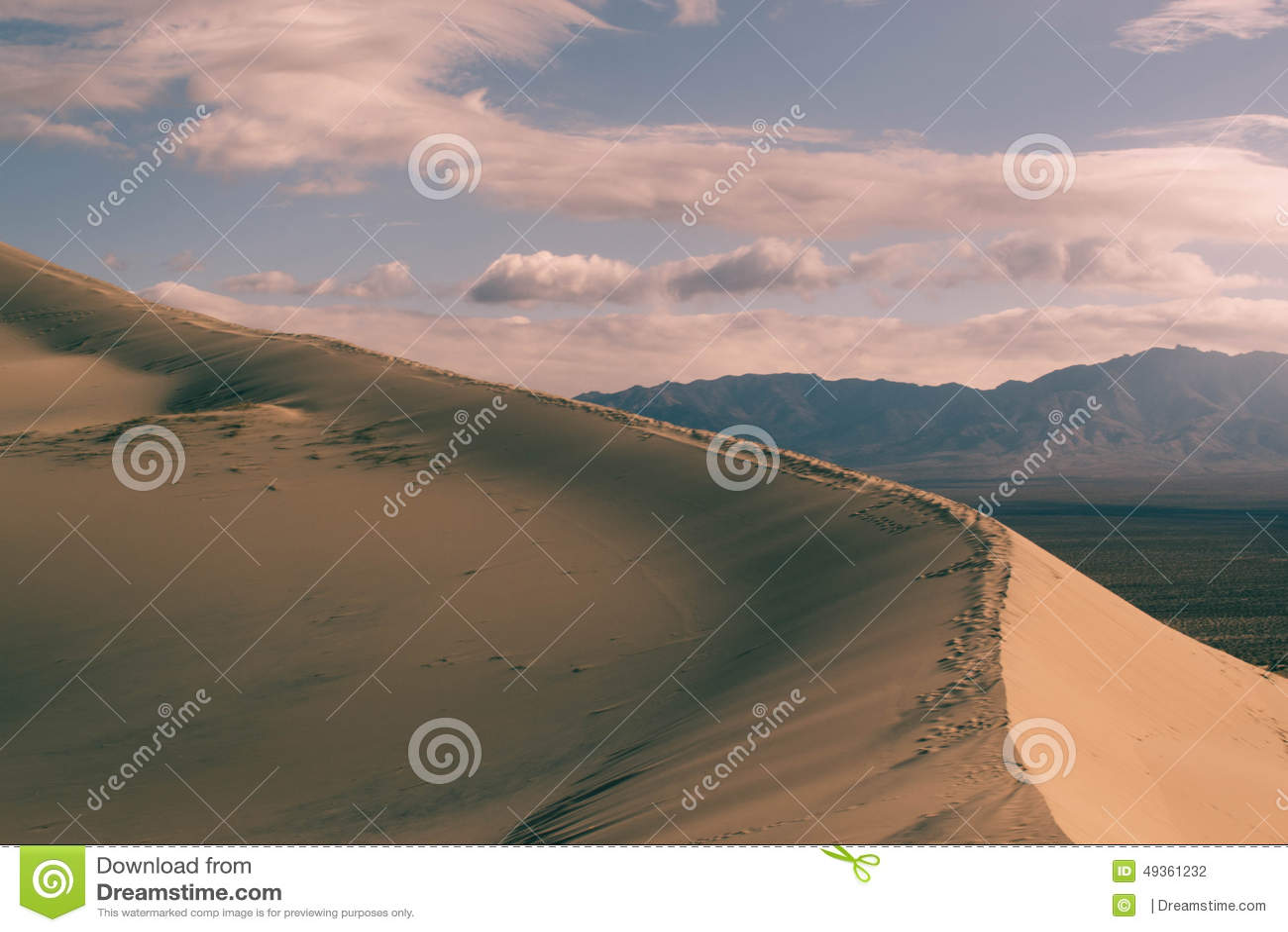 Den russia för kurshskayaen för dynhorisontkosaen sanden går sträcka till
