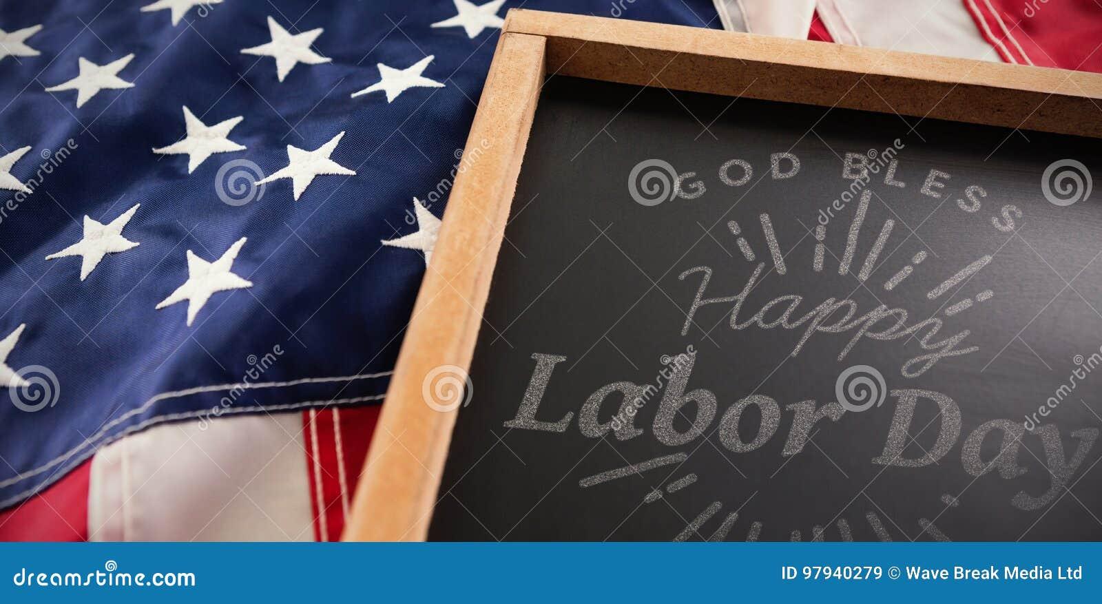 Den sammansatta bilden av den digitala sammansatta bilden av den lyckliga arbets- dagen och guden välsignar Amerika text