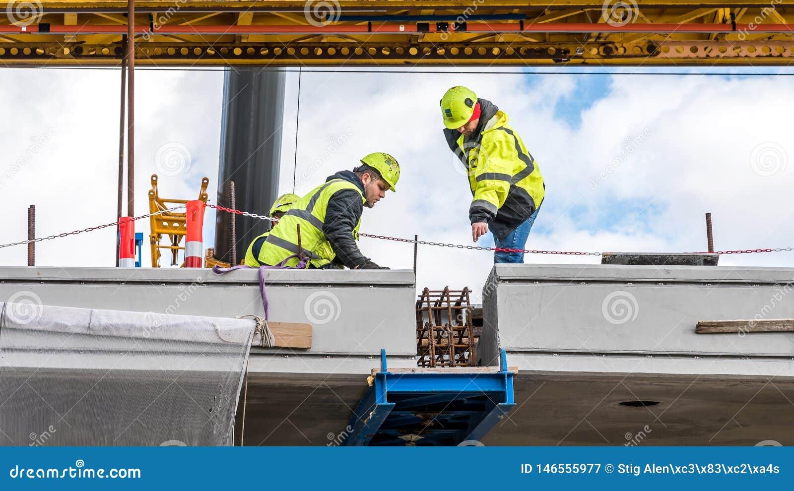 Den sista biten p? bron, kronprinsessaMary bro i Frederikssund, Danmark