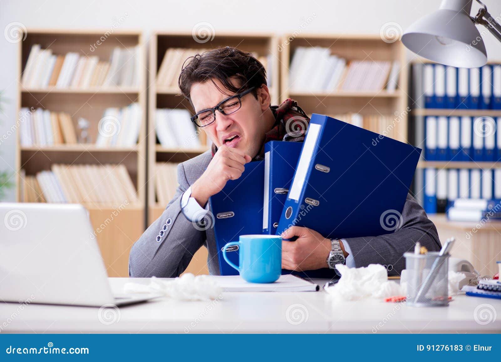 Den sjuka dåligt affärsmannen i kontoret