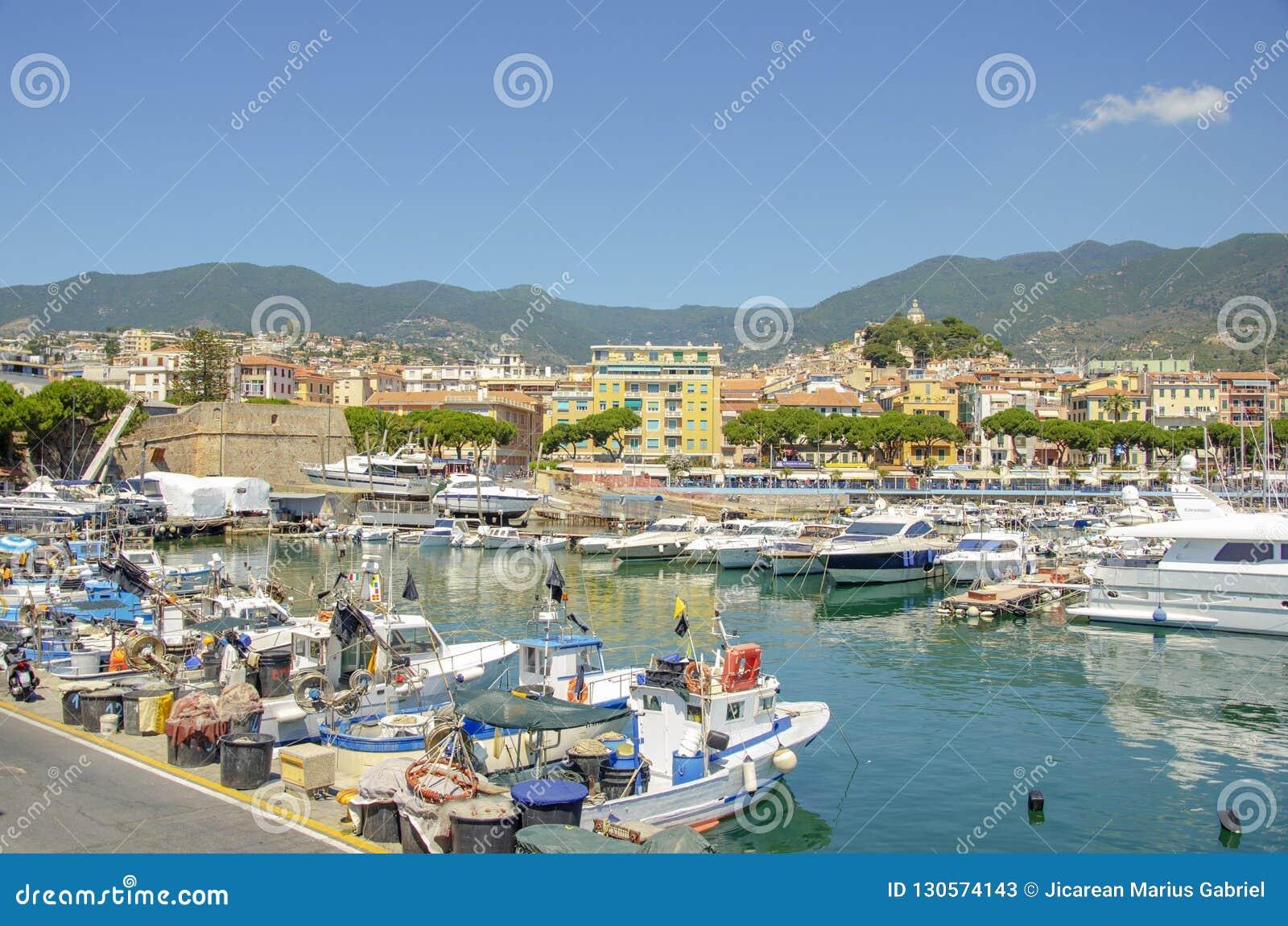 Den största yachtporten av Monaco Monaco yachtshow