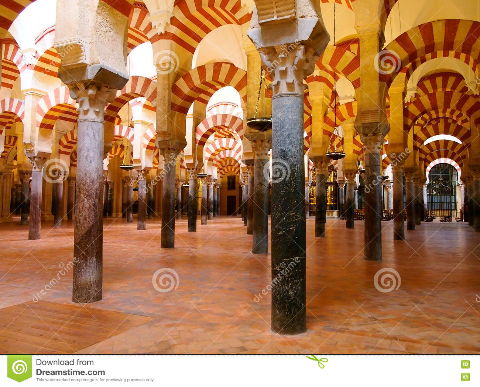 Den stora berömda inre för moské eller Mezquita cordoba spain
