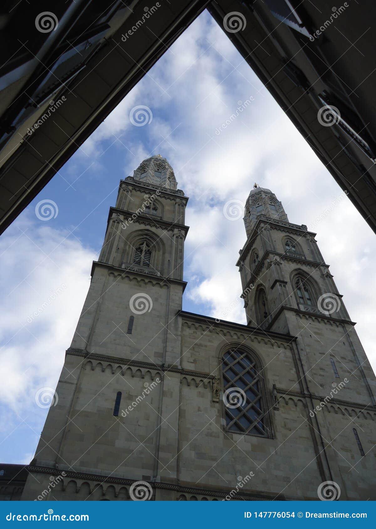 Den stora domkyrkakyrkan i Zurich