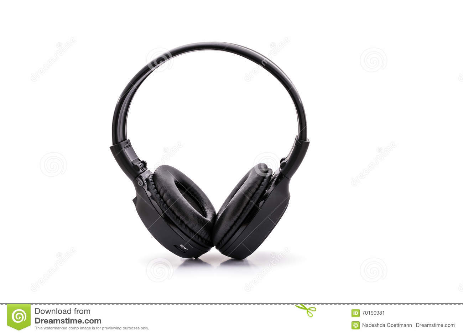 Den svarta hörlurar isolerade white
