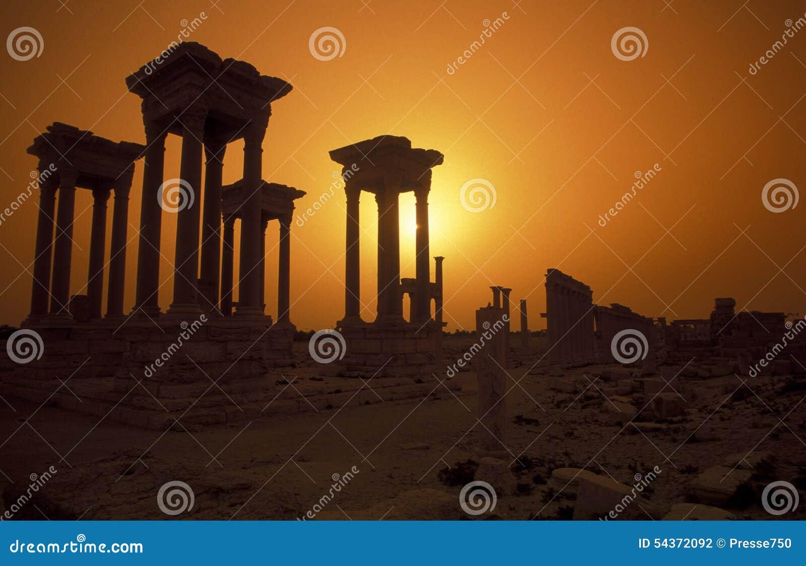 DEN SYRIEN PALMYRAROMAREN FÖRDÄRVAR