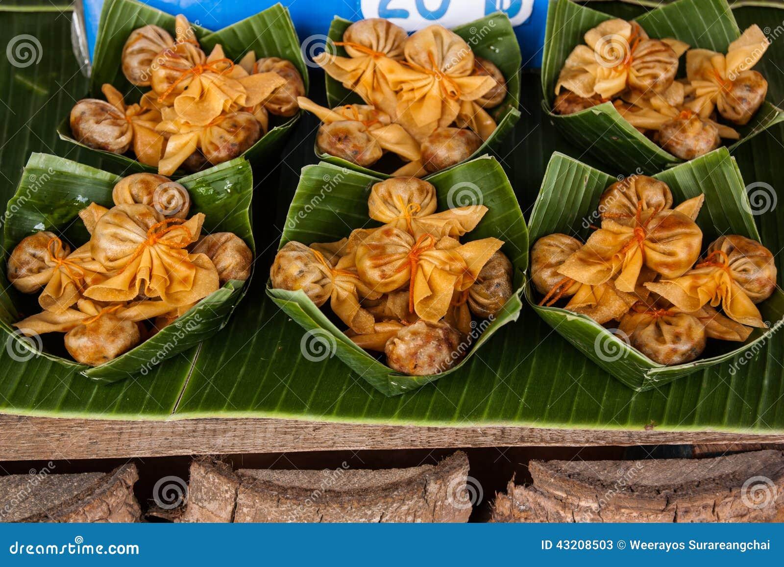 Download Den Thoong Läderremmen är Namnet Av Forntida Thailändska Efterrätter Fotografering för Bildbyråer - Bild av cilantro, thailand: 43208503