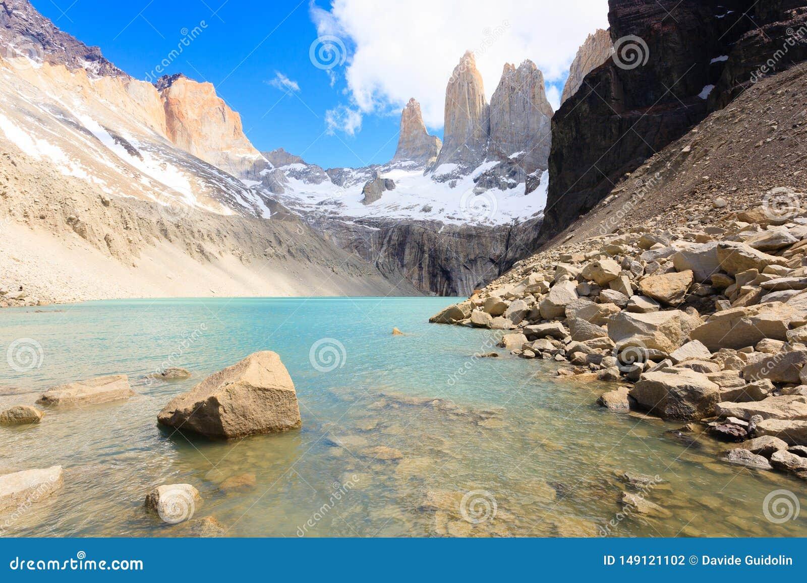 Den Torres del Paine sikten, baserar den Las Torres synvinkeln, Chile
