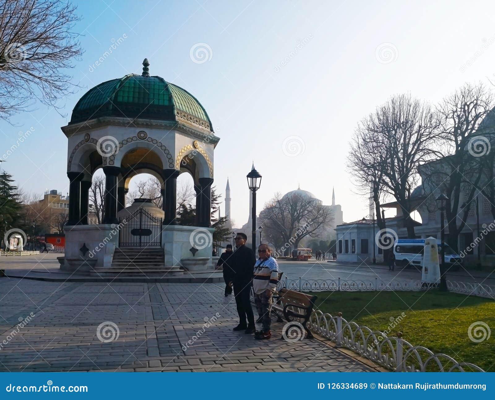 Den tyska springbrunnen av kapplöpningsbanan i Istanbul, Turkiet-mars 30,