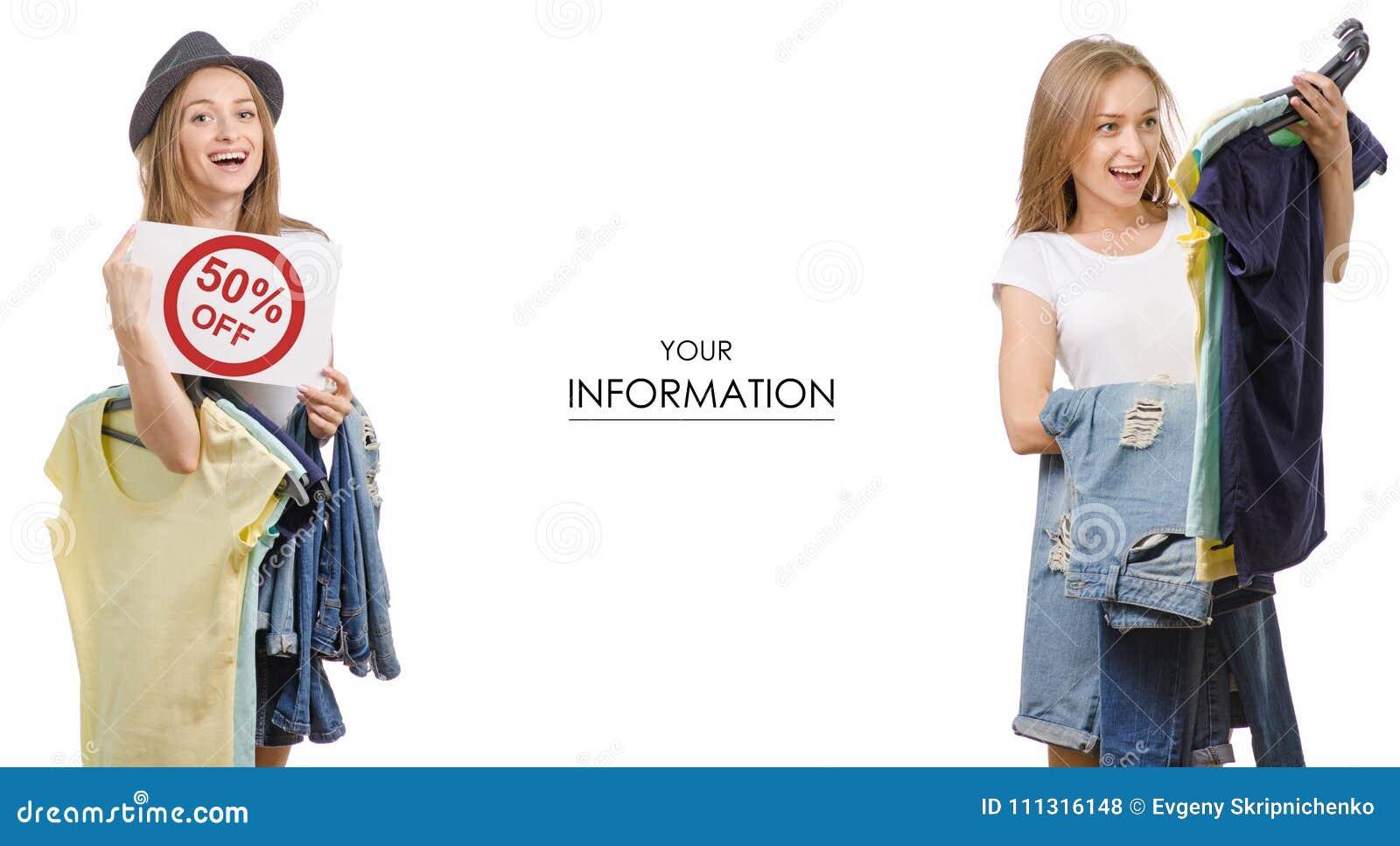 Den unga härliga kvinnasamlingen i händerna av sakert-skjortan jeans som säljer modellen för rabattmodediversehandel, ställde in