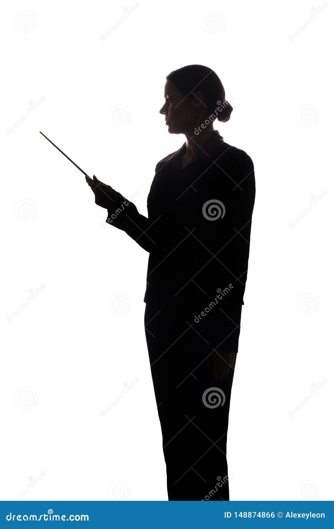 Den unga kvinnan i dr?kt visar pekaren fram?triktat, sidosikten - kontur