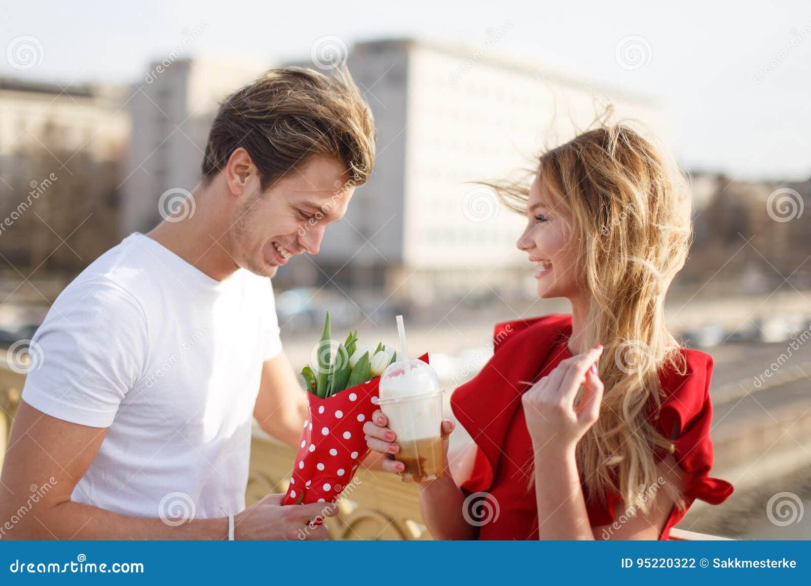 kvinnor dating yngre män