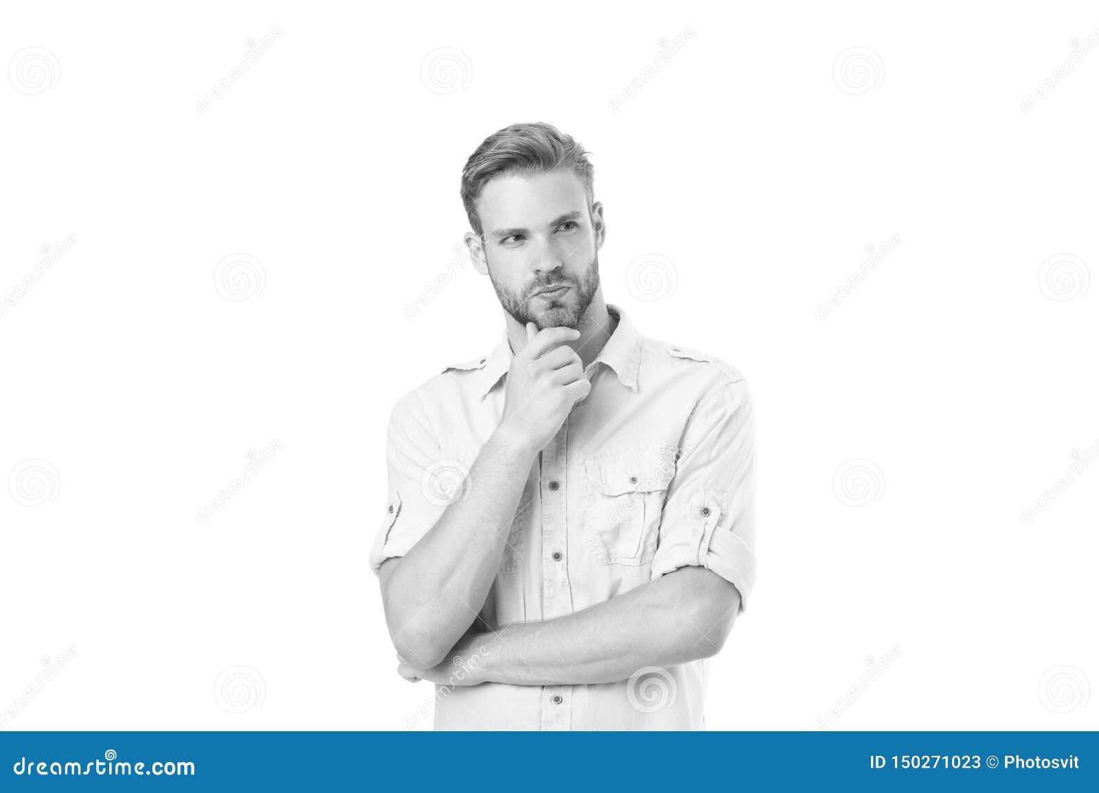 Denk om op te lossen Mens die met varkenshaar ernstig gezicht witte achtergrond denken Kerel nadenkende aanrakingen zijn kin Nade