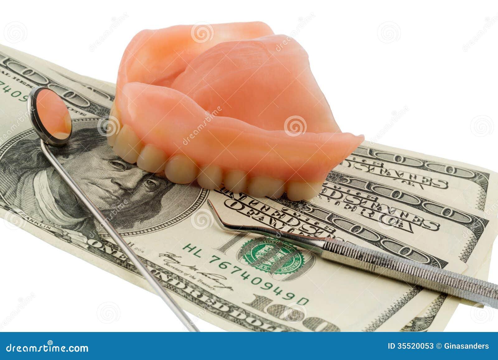 Dentaduras y billetes de dólar
