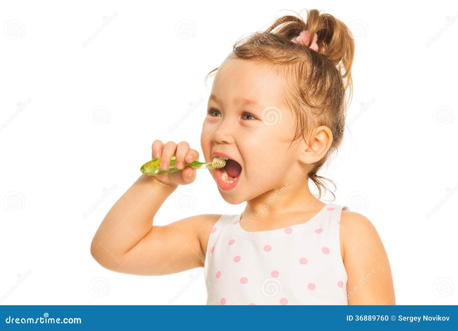 Download Denti di spazzolatura fotografia stock. Immagine di bambini - 36889760