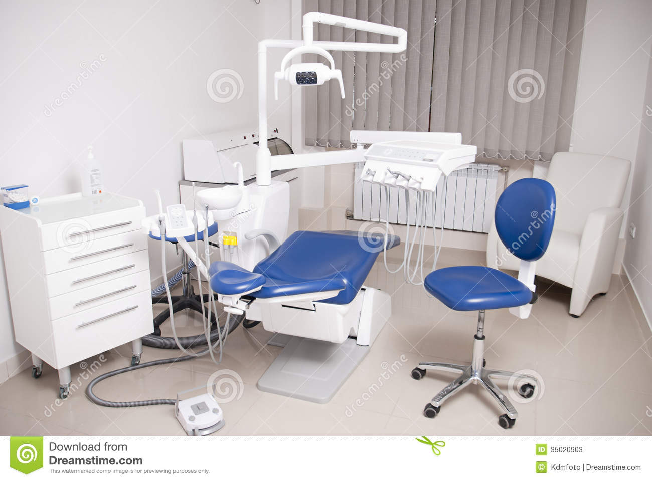 Dentist 39 s chair in a medical room stock photos image 35020903 - Decoration cabinet medical ...