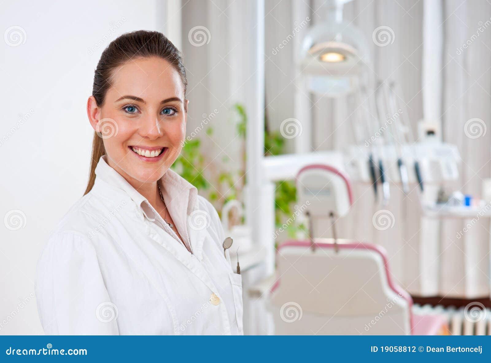 Dentista de la mujer