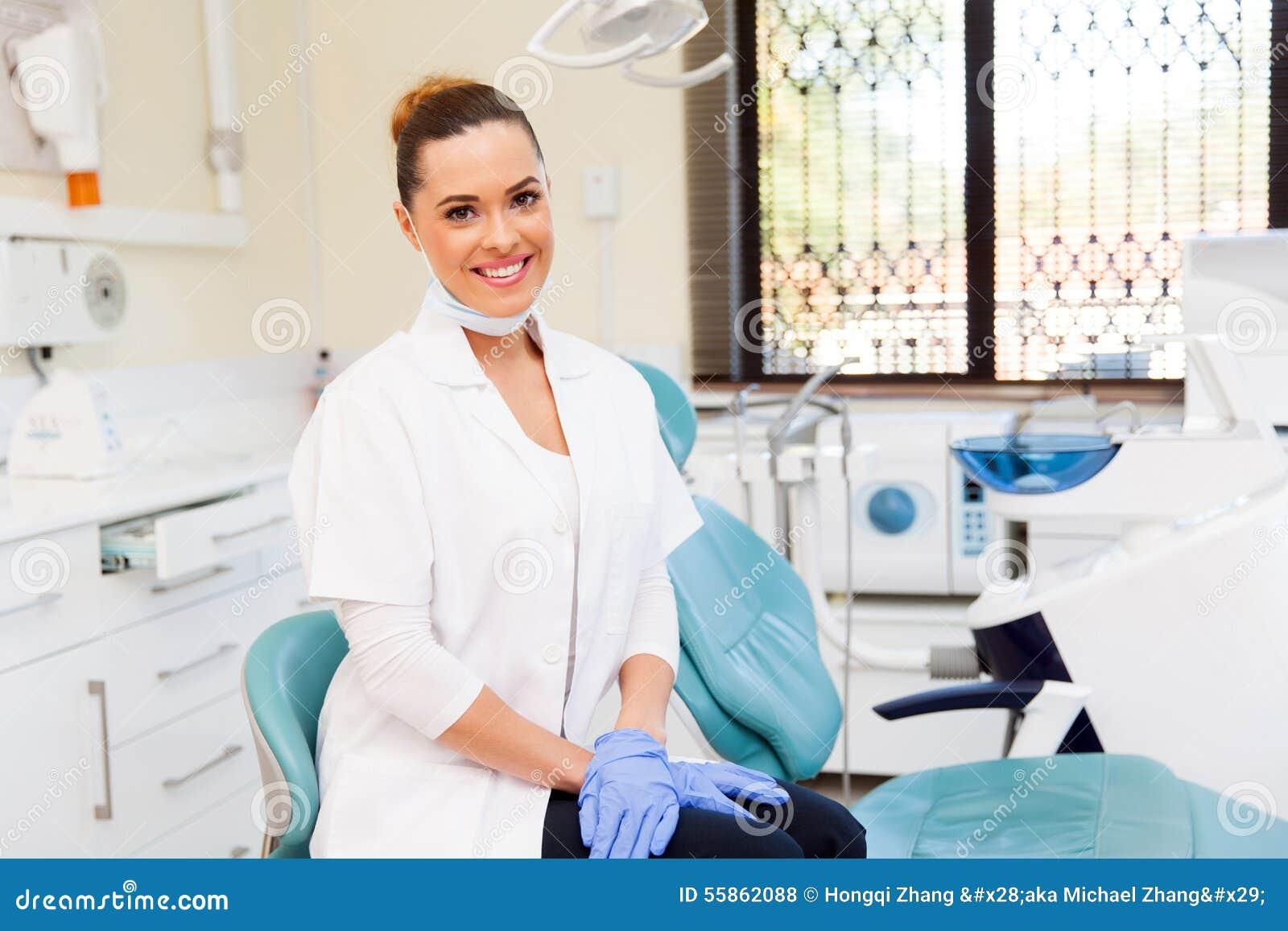 Dentista en oficina