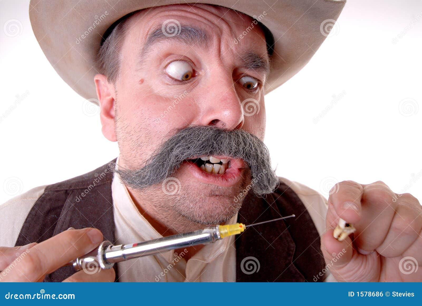 Dentista ocidental idoso