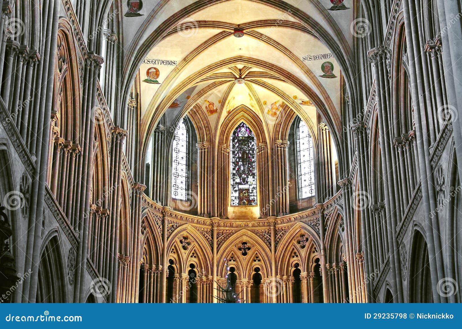 Download Dentro Da Catedral Em Bayeux. Foto de Stock - Imagem de igreja, catedral: 29235798