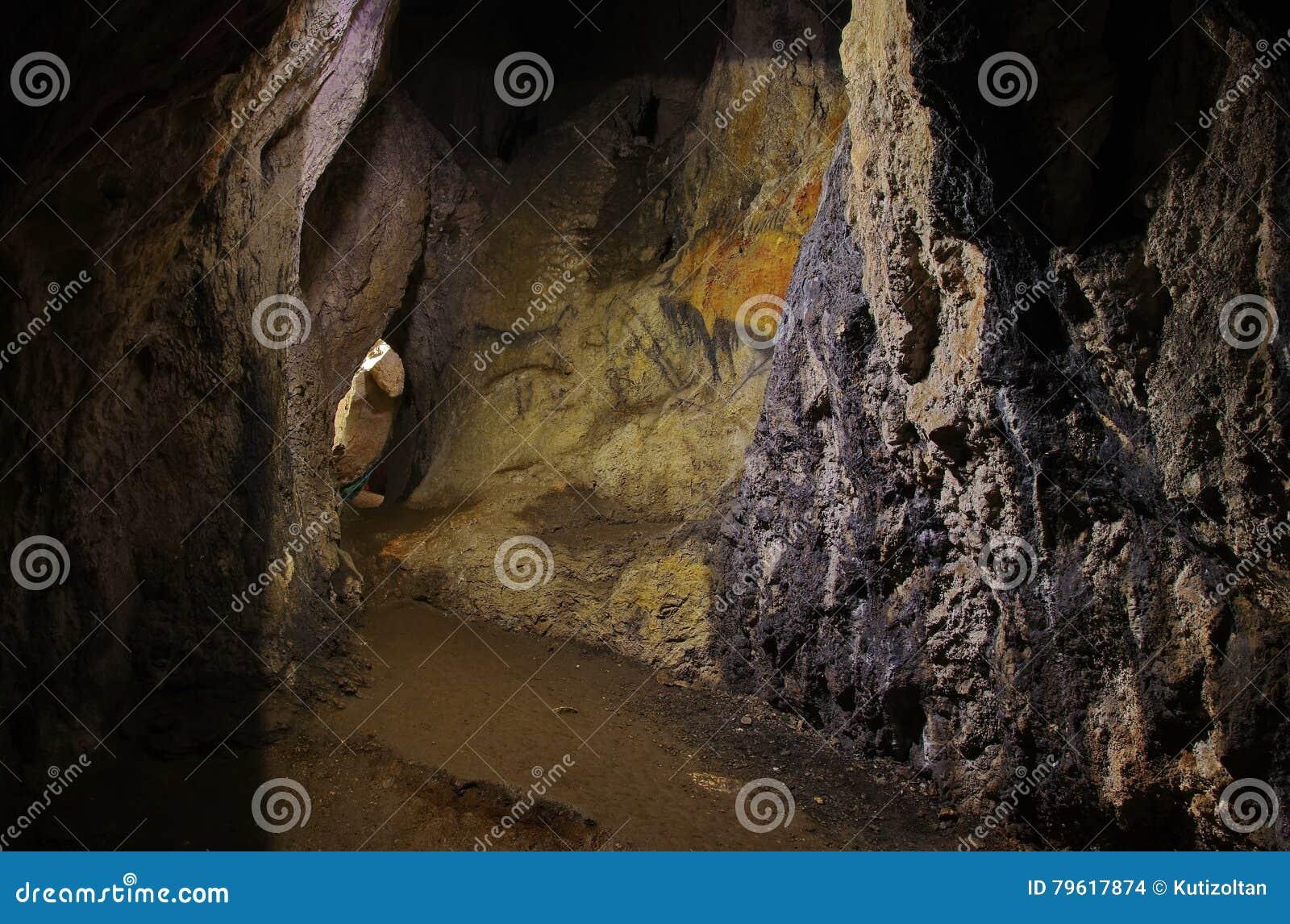 Dentro da caverna