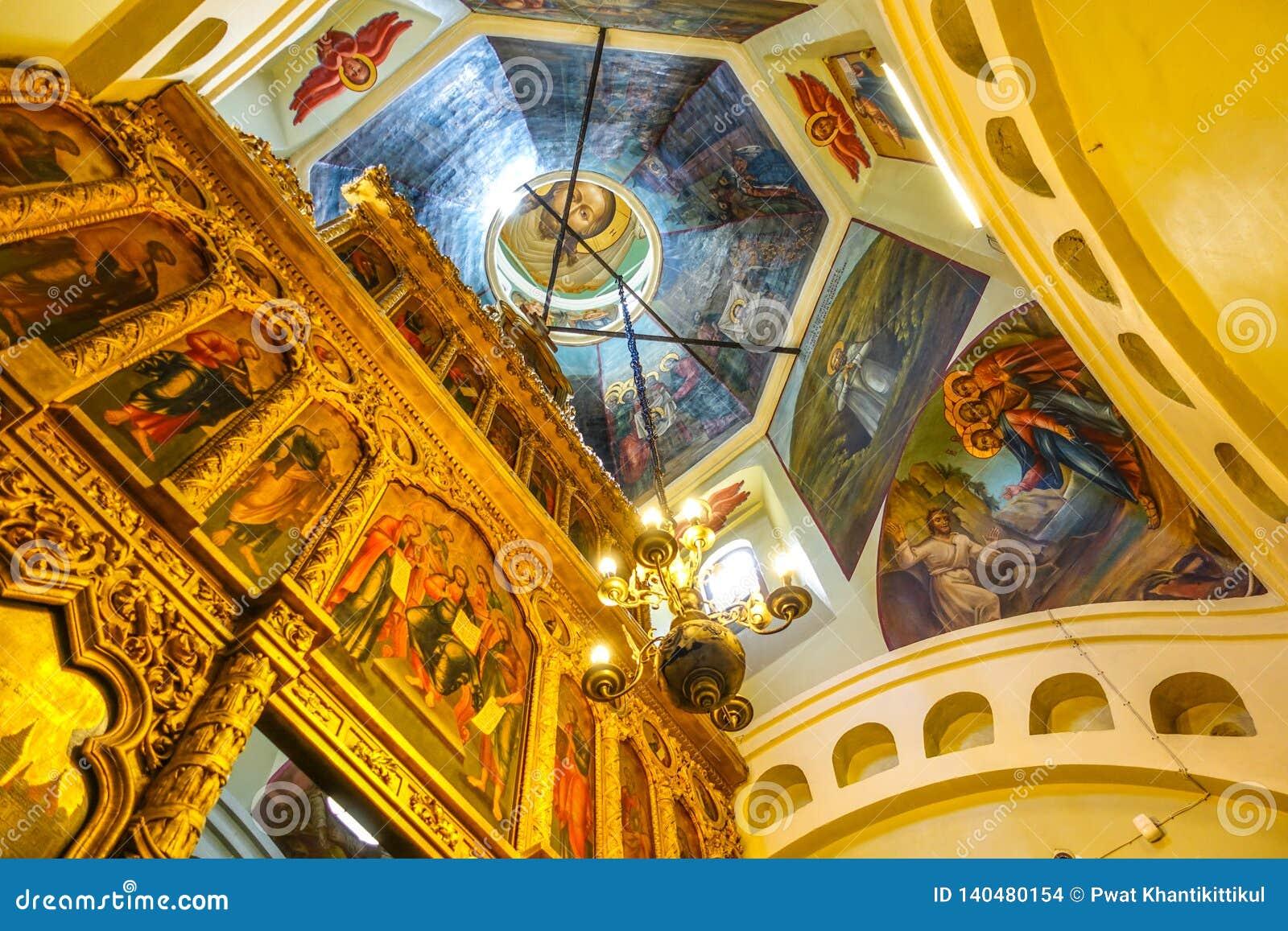 009 - Dentro da ideia da catedral da manjericão do St do quadrado vermelho