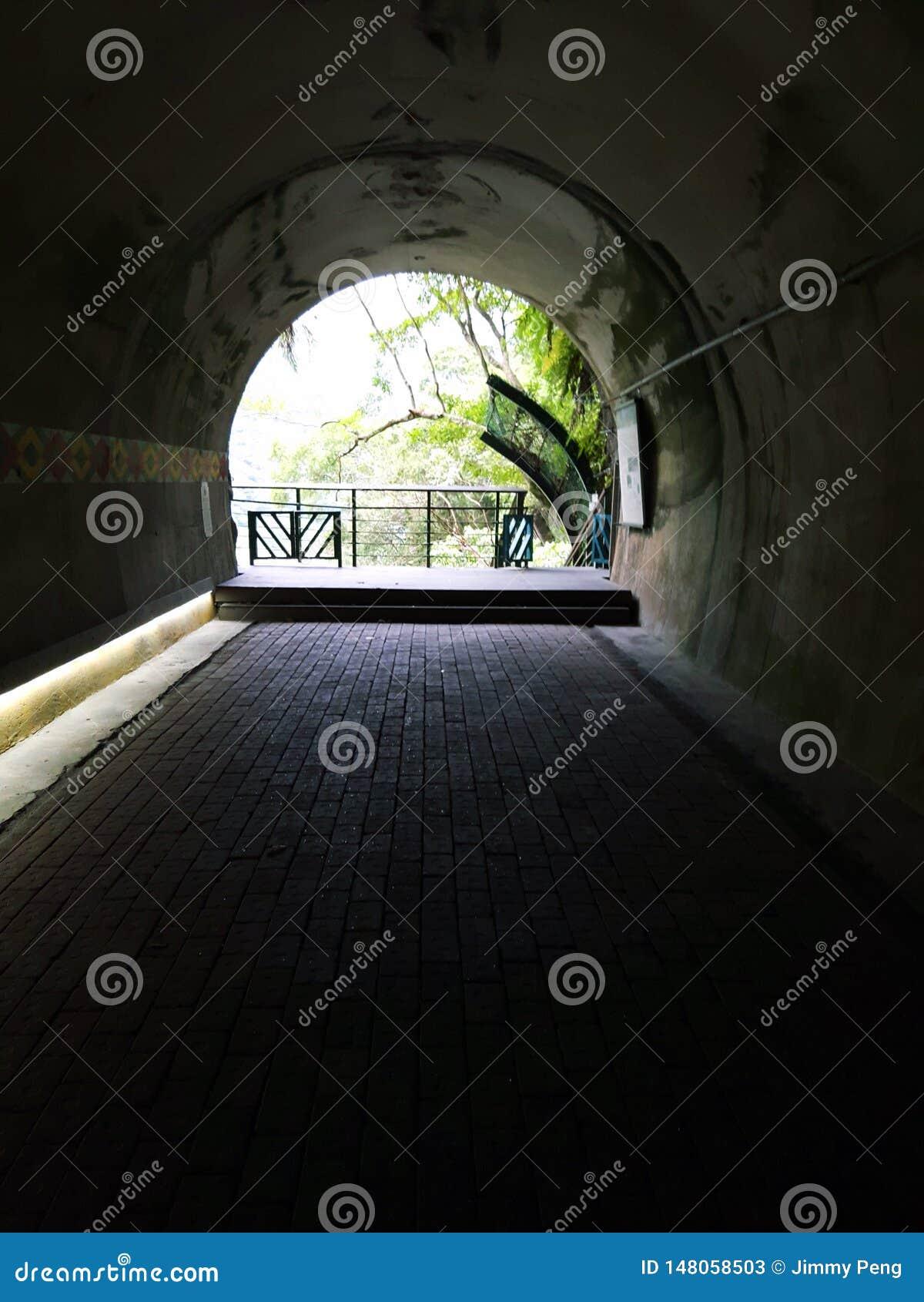 Dentro de la cueva en la región Taiwán de Taroko
