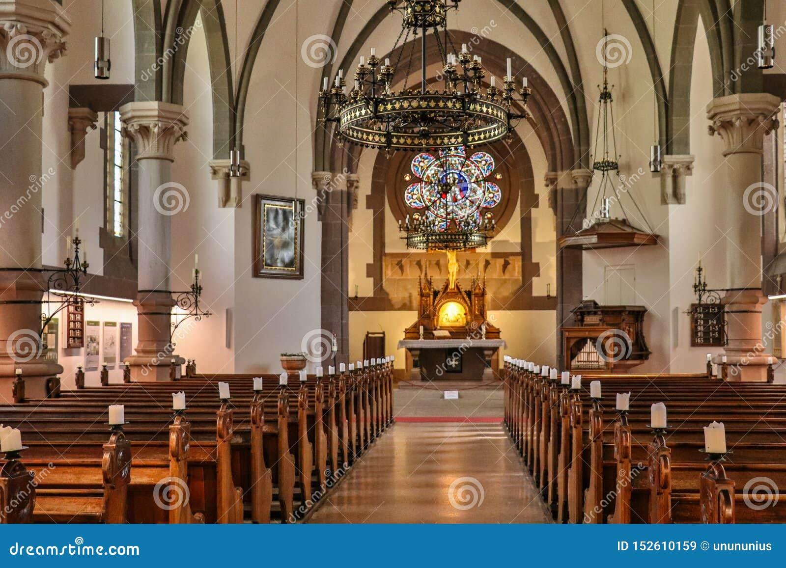 Dentro de panorama de la iglesia protestante principal, Christuskirche, en Meran Merano Provincia Bolzano, el Tyrol del sur, Ital